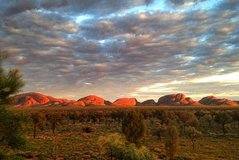 5-Hour Kata Tjuta Sunrise Tour from Ayers Rock with Breakfast